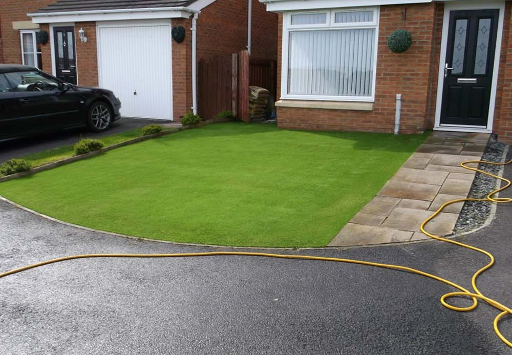 front garden replaced with fake artificial lawn